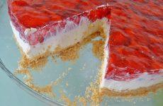 Cheesecake de Morango e Bolacha Belga