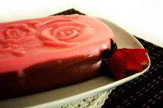 Duo de Morango e Chocolate com Café e Bolacha