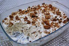 Gelado de bolacha com pepitas de chocolate e leite condensado