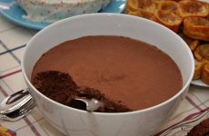 Mousse de chocolate caseira fácil de fazer