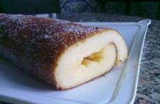 Torta fofa e húmida de iogurte e laranja