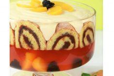 Trifle de gelatina e torta de chocolate