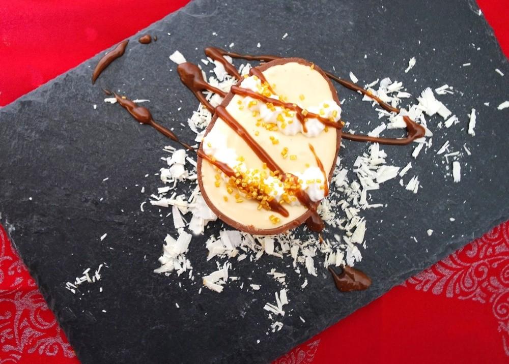 Photo of Ovo de chocolate com mousse de caramelo